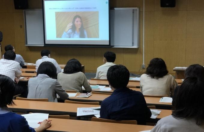 外国人生徒とのコミュニケーション方法について学ぶ教職員向け研修を都立六郷工科高校で実施しました